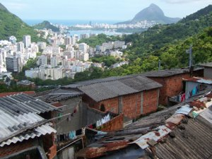 Houses on Morro Santa Marta over buildings in Botafogo