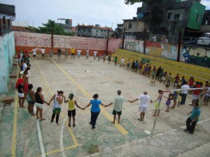 Residents 'hug' the square in Vidigal