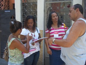 iBase conduct interviews in Barreira for Morar Carioca
