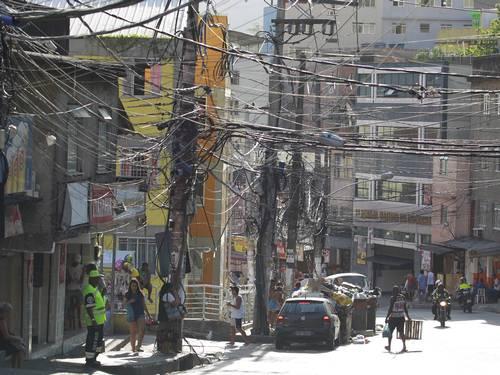 """""""Gatos"""" in Rocinha"""