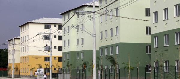 MCMV public housing in City of God. Photo by Clarice Castro