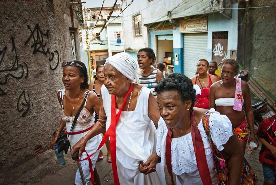 Aunt Dorinha 104 years of Umbanda resistence in Jacarézinho. Photo by: Leo Lima/Cafuné na Laje.