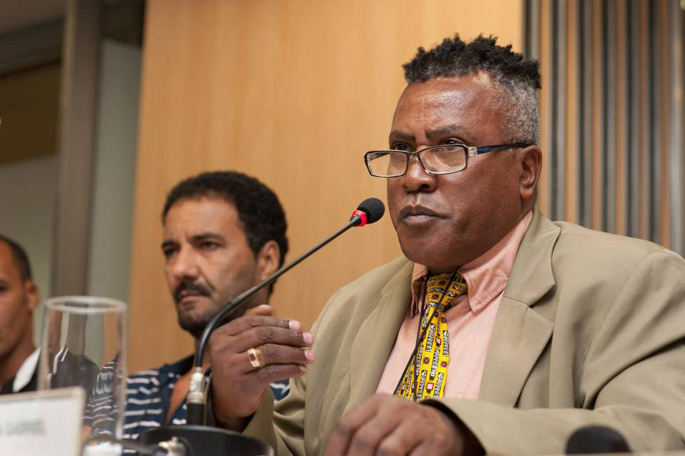Rumba Gabriel talking about the Jacarézinho cooperative at the National Forum – INAE. Photo by: INAE.