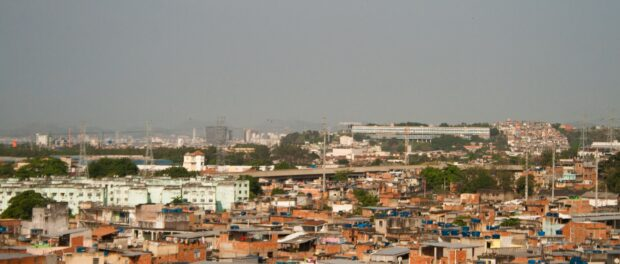 Favela Researchers Survey Residents on Access to Electricity and Blackouts