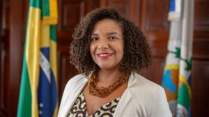 Renata Souza (PSOL-RJ) is a Rio de Janeiro state deputy and the first Black woman to become president of ALERJ's Human Rights and Citizenship Commission