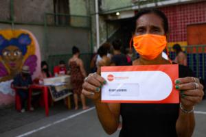 Estrelas do Mandela: food voucher distribution
