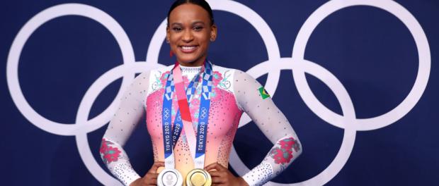 Victorious Black presence: Rebeca Sndrade